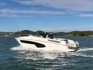 rent a boat karnic 800